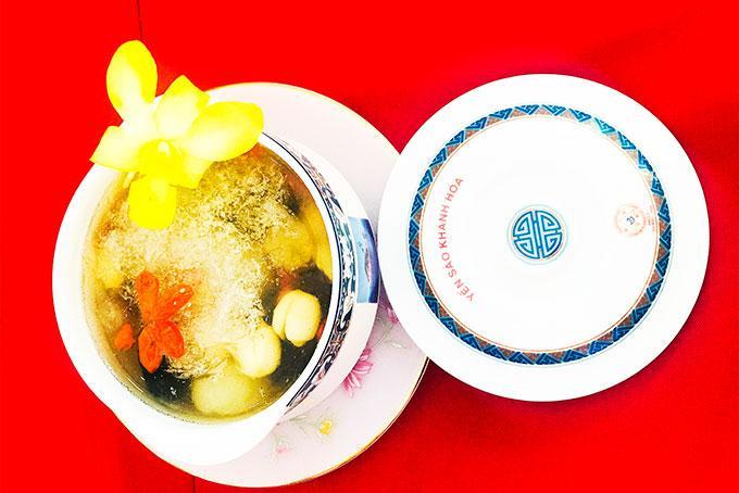 Lễ hội ẩm thực yến sào  với các món ăn được chế biến từ yến sào sẽ tạo những nét riêng cho Festival Biển.